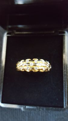 Gold pavé ring set with 16 diamonds, approx. 0.8 ct - Ring size: 17.8 mm