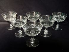 6 Baccarat Champagne glasses in richly cut crystal - France circa 1916-1936