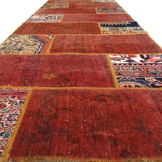 "Patchwork – 240 x 88 cm. – ""Combination of the most beautiful Persian carpets, in mint condition.""."