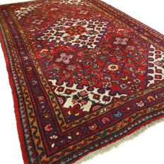 Hamadan - 182 x 108 cm - Persian, richly decorated carpet in good condition. Please note: no reserve, bidding starts at €1.