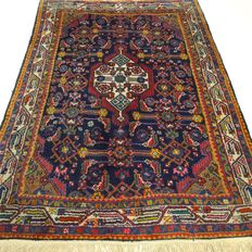 "Hamadan - 152 x 105 cm - ""Finely knotted, Persian eye catcher in beautiful condition."" - Pay attention! no reserve price: starting at €1,-"