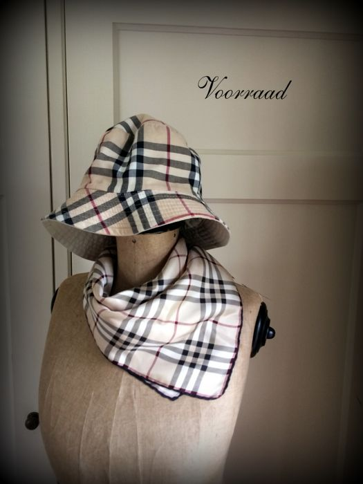 decfbe6c1aa ... release date hat and scarf burberry like new original 6cc20 a8949