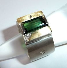Men's ring - 14 kt gold and 925 silver ring with 3.57 ct green tourmaline - 0.07 ct of diamonds - size 58-59