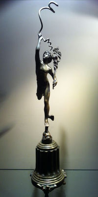 Sculpture in burnished bronze, hand chiselled and depicting Mercury/Hermes, first half of 20th century.