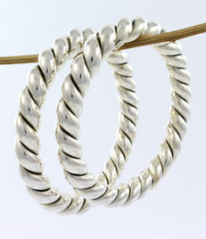 Two large and beautiful 925/1000 silver hoop bracelets – Origin: Bali