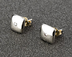 18 kt gold - earrings - 0.15 ct diamonds - diameter 9.65mm (approx.).