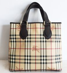 Burberry – Bag.