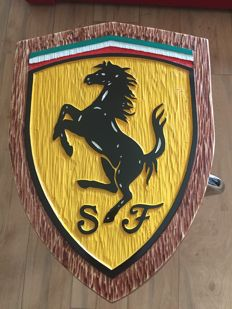 Ferrari - Unique Large logo carved in wood - 46 x 34 cm