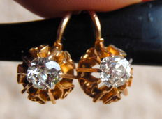Sleeper diamond earrings, 0.70 ct and 18 kt yellow gold.