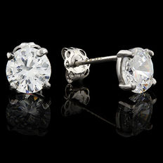 14KT white gold stud earring set with created moissanites - Length : 13mm x 6mm