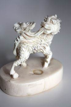 Antique and rare ivory seal, finely carved in the shape of Foo Dog - China - ca. 1910