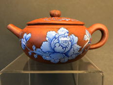 Yixing teapot with enamel peony painting - China - second half 20th century