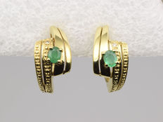 14 kt/585 yellow gold earrings with emeralds and diamonds Dimensions: 18 x 9 x 18 mm