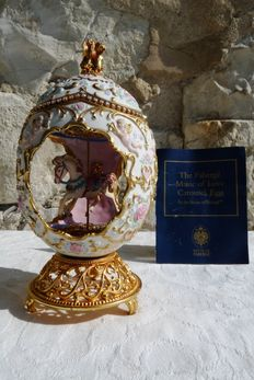 House of Fabergé -  Carrousel Egg Collector - Porcelain - Swarovski rhinestones - 24 k gold plated finish - ( 18 cm / 400 g )