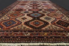 Magnificent and unique Persian carpet, Yalameh Iran, approx. 303 x 210 cm,  approx. 6.4 m², end of 20th century. Excellent condition! With certificate. Private collection!