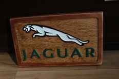 Jaguar - Unique Large logo carved in wood - 48 x 29,5 cm