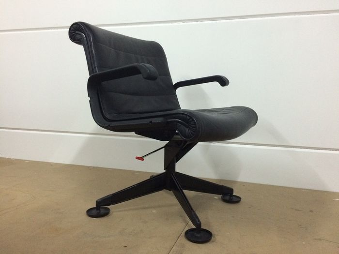 Richard Sapper for Knoll – executive desk chair