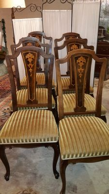 6 Queen Ann dining room chairs with intarsia