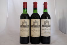2 x 1971, 1x 1976, Chateau Leoville-Las Cases 'Grand Vin de Leoville', Grand Cru Classe, Saint-Julien – 3 Bottles.