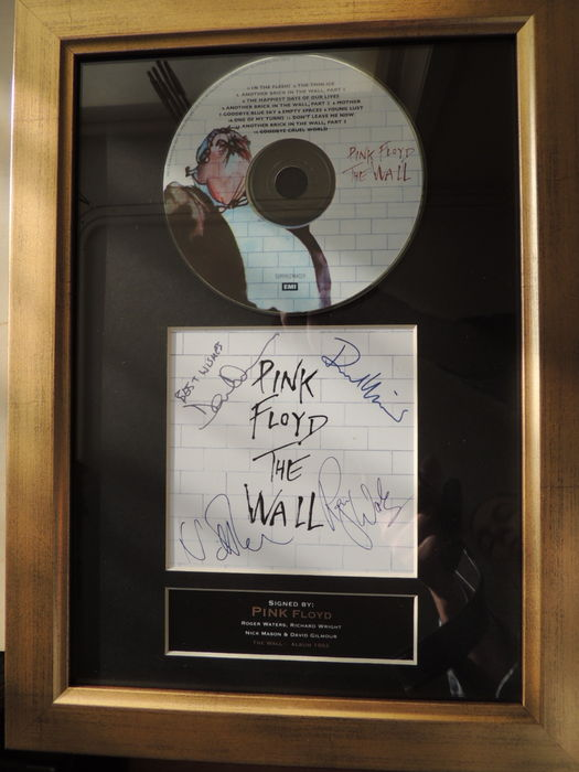 Stunning - Pink Floyd - The Wall - (print) Signed Autograph Cd Cover -  By The Band -
