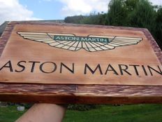 Aston Martin - Large logo carved in wood - 50 x 32 cm