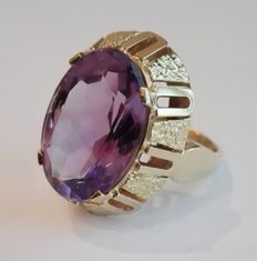 Striking women's ring – 585/1000 gold 14 kt with faceted amethyst of approx. 5 ct – ring size: approx. 54 (17.2 mm) – approx. 7 g