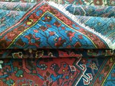 """Authentic and very old collector Persian carpet"""" HAMADAN"""" in very good condition!!"""