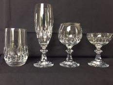 Heavy quality 24% crystal for 12 people from the 1970s by Schott Zwiesel