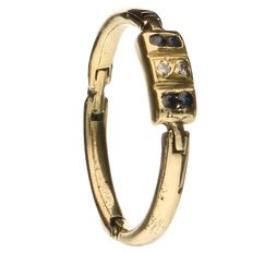 14 kt yellow gold ring set with spinel and 2 brilliant cut diamonds of approx. 0.005 ct each
