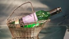 Delightful and elegant braided silver plated wine holder