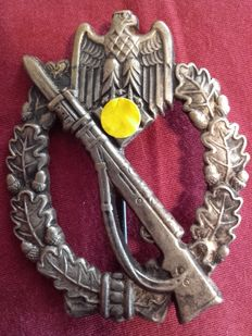 Infantry Assault Badge 2nd Class WWII, 3rd Reich, very good condition, with pin