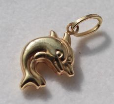 Yellow gold dolphin pendant - dimensions: 11 x 21 mm