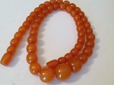 Old Baltic amber necklace from the twentieth century, weigh: approx. 26 g