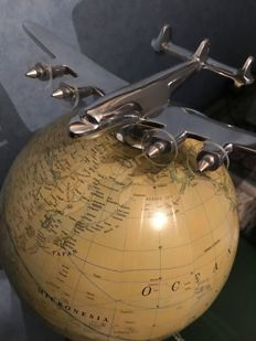 "Globe With Airplane ""Constellation"" - Paper and Aluminium - End XX Century"