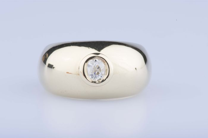 Yellow gold ring of 18 kt sets with 1 diamond of approx. 0,25 kt - Ring size EU: 60