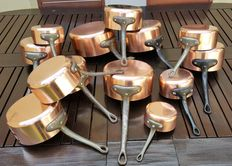 Lot of 13 pans in tinned copper, including 4 stamped pans, approx 1960/70, France