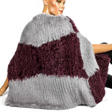 Feather light Rosenberg & Lenhart curly lamb fell fur cape rabbit fur sleeveless