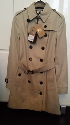 Burberry / Sandringham Trench Coat