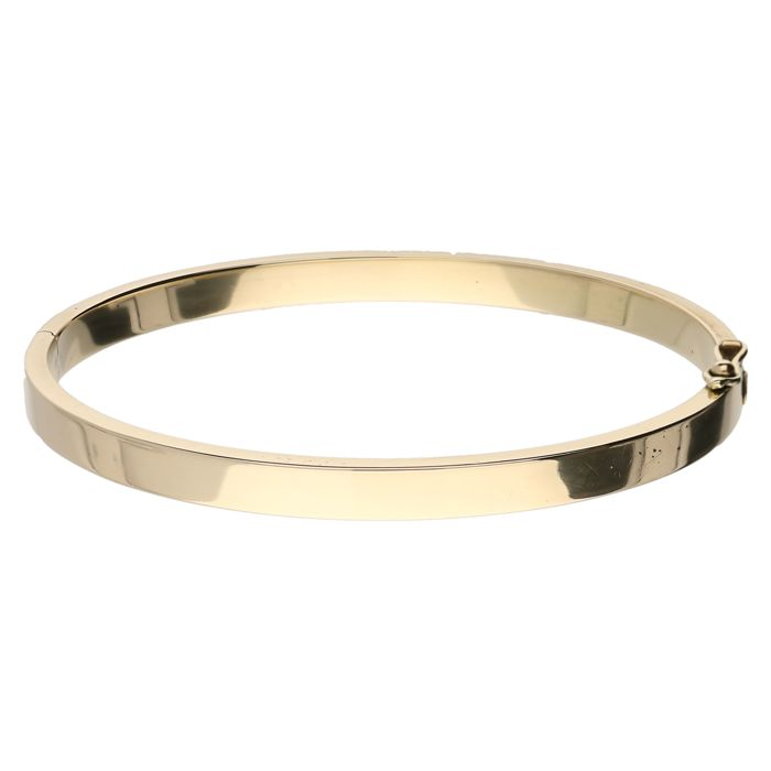 Yellow gold bangle, 14 kt. Diameter: 60.7 mm.