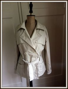 Burberry - jacket - beige - size 38 or M