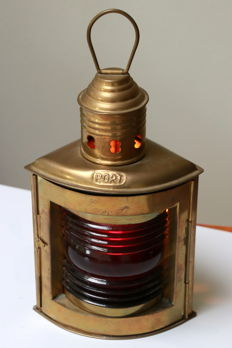 Beautiful ship oil lantern with red glass / Port.