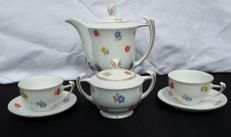 Lot of 4 pieces of white porcelain decorated with mixed flowers -Germany - 1939/1945