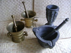 4 copper / earthenware mortars with pestle.