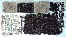 Assorted - over 3 kg Lego, black + grey bricks