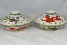Famille Rose bowls with lids clawed dragon & phoenix - China - ca. 1900