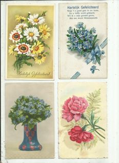 World - Over 650 postcards with flowers - 1900-60