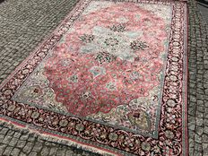 NEVER USED-NEW silk rug: Kashmir - 100% pure silk - 290 x 190 cm.
