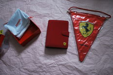 Ferrari: Lot including notepad/organizer and pennant - 2017