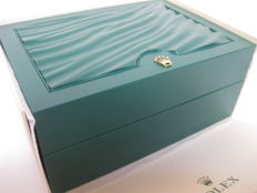 Rolex - Green box with wave design and beige outer box - Model 39139.04