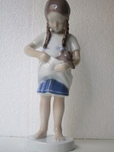 "Bing & Grondahl B&G - ""Little Mother""  Girl w/Kitten production number 1779"